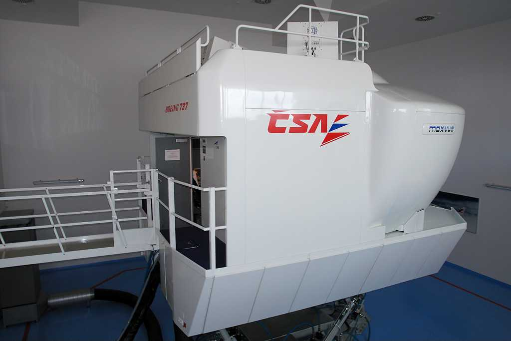 CSA Czech Airlines | Boeing 737-400/500 Full Flight Simulator | –