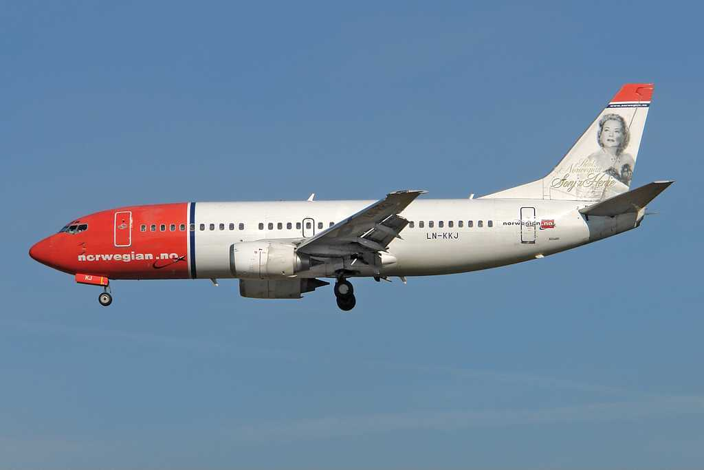 Norwegian Air Shuttle | Boeing 737-36N | LN-KKJ