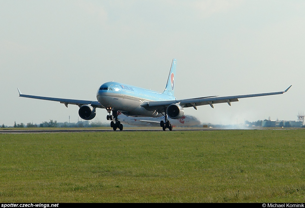 Korean Air | Airbus A330-323X | HL7587