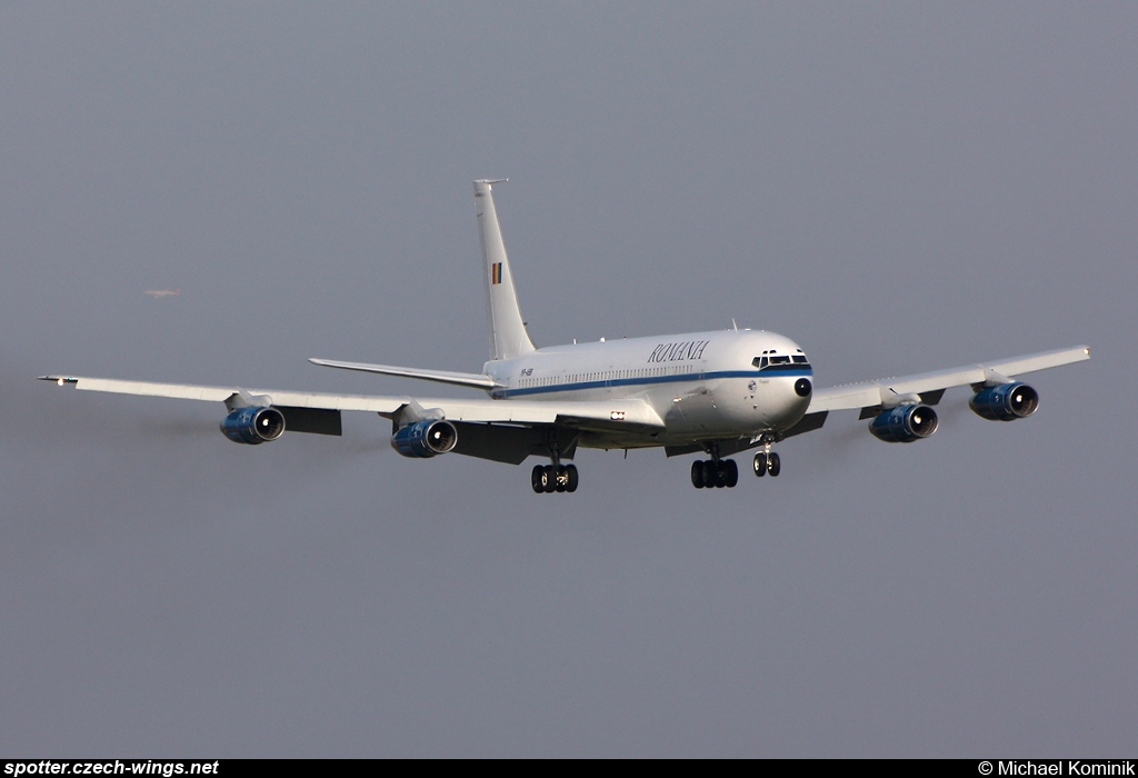 Romanian Air Force | Boeing 707-3K1C | YR-ABB