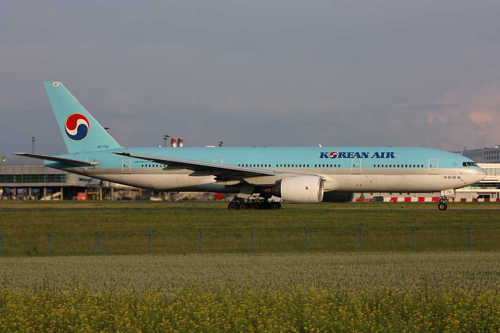 Korean Air | Boeing 777-2B5ER | HL7751