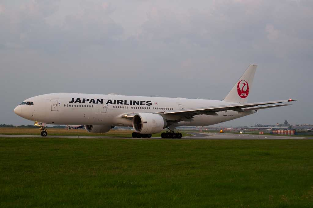 Japan Airlines | Boeing 777-246ER | JA711J